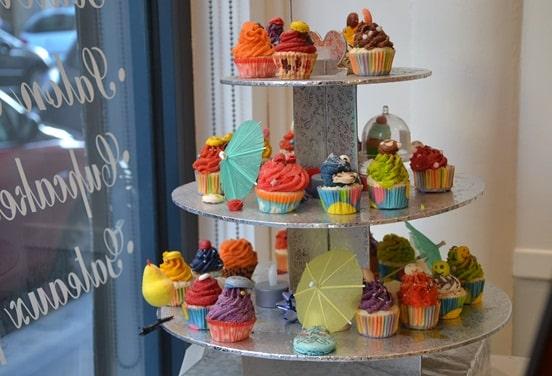 une_anniversaire cupcake_macarong