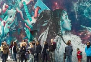 une_anniversaire street art_myurban