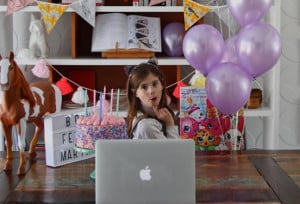 une_anniversaire distance_atchoum